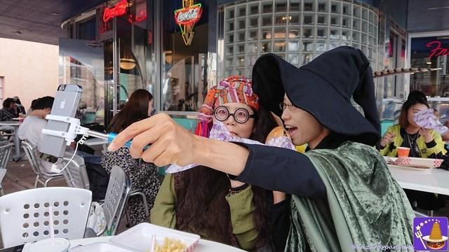 2017年ハリポタ仮装レポートVol2;「きさらミネルバ・マクゴナガル教授」と「響シビル・トレローニー教授」とで雨のホグワーツとホグズミードを散策♪魔法使いパンケーキマン・ダンブルドア