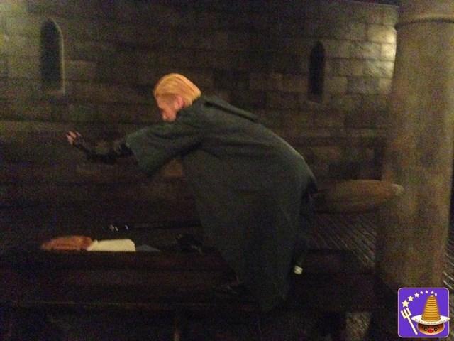 USJハロウィンシーズンのラスト ダンブルドアでニンバス2001を持つドラコ マルフォイに出会った♪魔法使いパンケーキマン